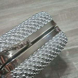 Bags - Cute silver beaded clutch